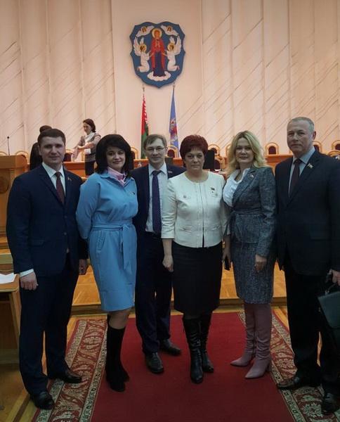 С коллегами на первой сессии Минского городского Совета депутатов 28 созыва, март 2018 года
