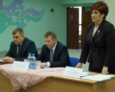 На отчетной встрече с жителями Ангарской, апрель 2018 год