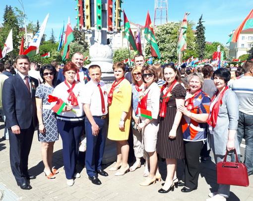На церемонии возложения венков и цветов к монументу Победы, май 2018 года